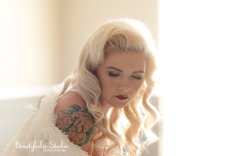 PHOTOGRAPHY| Jen Hauger @aishi.teru_boudoir HAIR| Tiera Jones @beautybytierahair MAKEUP| Daren Romey @DiaryofaBeautyholic